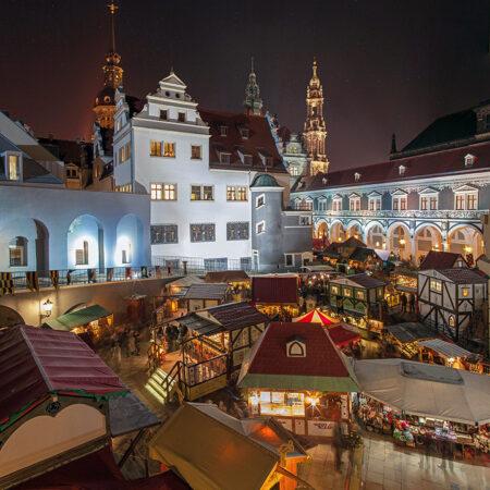Weihnachtsmarkt im Stallhof Dresden fotografiert von Tigran Heinke
